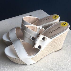 Like new Nine West off white wedge heels sz 9